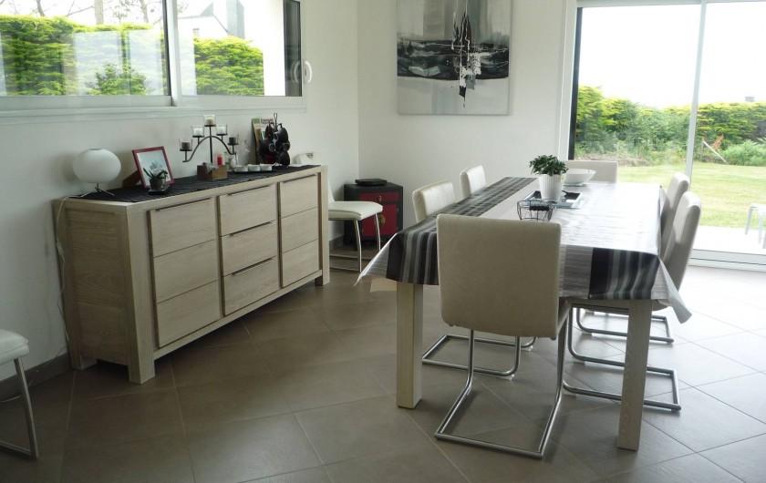 Location de vacances - Villa à Penvénan - SALLE A MANGER VUE MER