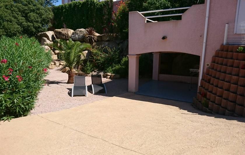 Location de vacances - Villa à Grosseto-Prugna - Terrasse couverte