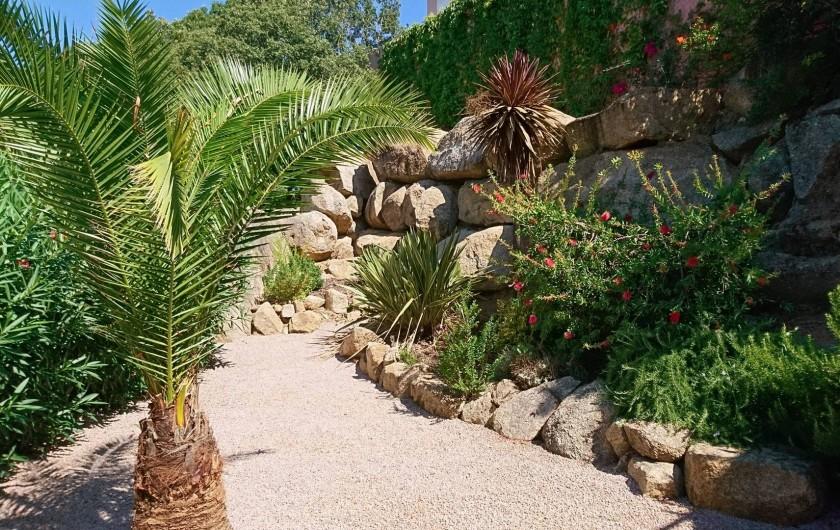 Location de vacances - Villa à Grosseto-Prugna - Jardin privatif