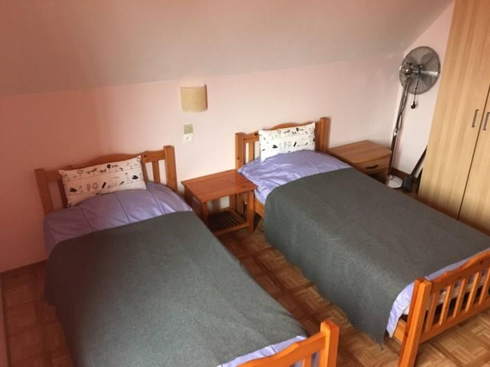 Location de vacances - Appartement à Orschwiller - Chambre 2 du coté Jardin