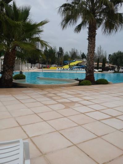 Location de vacances - Camping à Vias - piscine