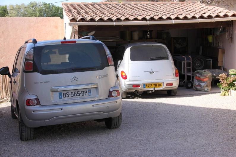 Location de vacances - Villa à Monteux - EXTERIEUR G abri voiture / parking fermé
