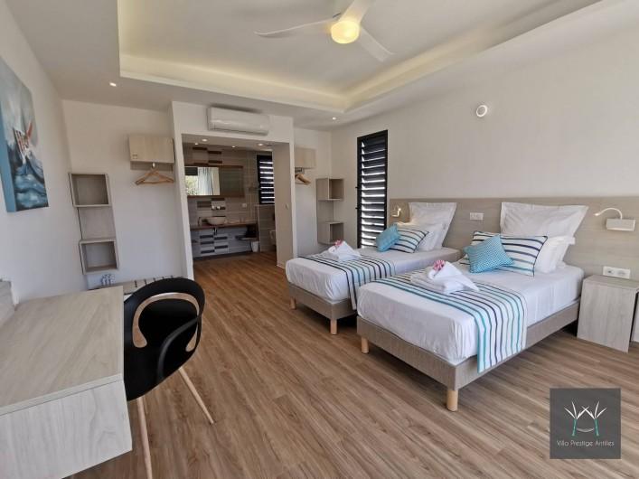 Location de vacances - Villa à Sainte-Anne - Suite 3 (accès à mobilité réduite avec 2  lits 90 x 200 ou 1 lit 180 x 200