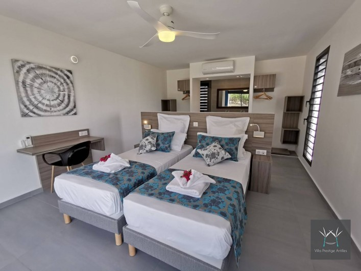 Location de vacances - Villa à Sainte-Anne - Suite 6 rez de jardin lit 180 x 200 ou 2 lits 90 x 200