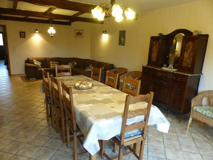 Location de vacances - Gîte à Chassepierre - Salon - salle à manger