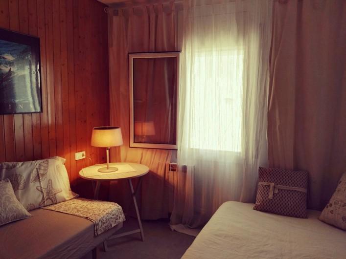 Location de vacances - Appartement à Vilanova i la Geltrú - salle séjour est conçu comme un espace fonctionnel