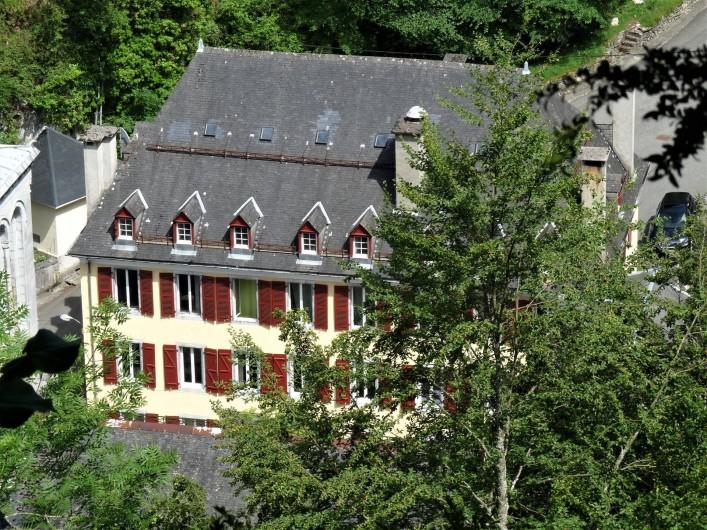 Location de vacances - Appartement à Eaux-Bonnes - la résidence Gascogne en été
