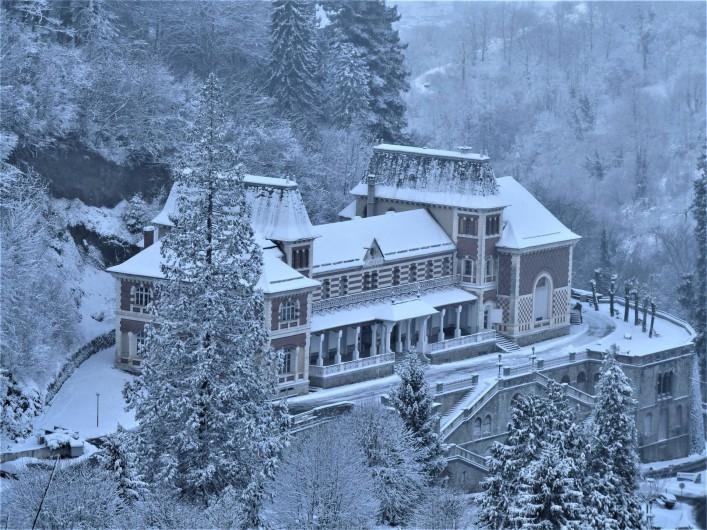 Location de vacances - Appartement à Eaux-Bonnes - espace culturel en hiver