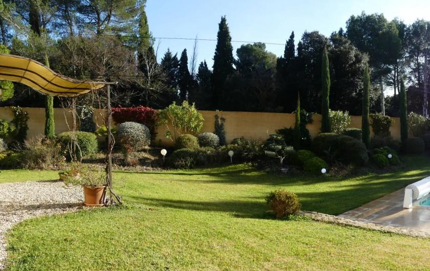 Location de vacances - Villa à L'Isle-sur-la-Sorgue - jardin