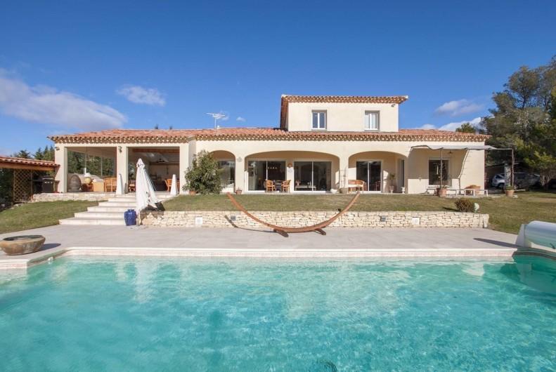 Location de vacances - Villa à L'Isle-sur-la-Sorgue - piscine