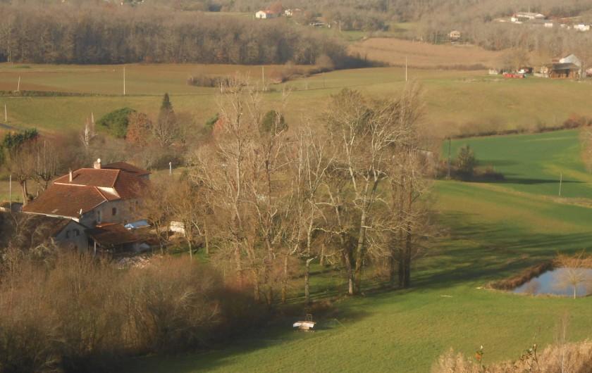 Location de vacances - Insolite à Labarre - Vue de notre lieu depuis les hauteurs