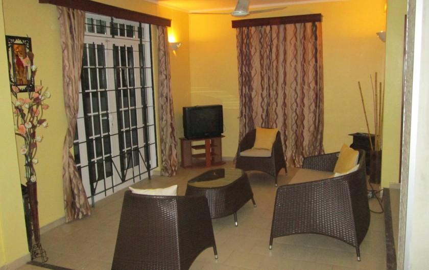 Location de vacances - Villa à Pereybere - salon soir