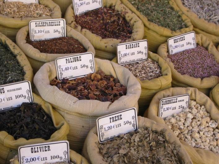 Location de vacances - Mas à Saint-Roman-de-Codières - Le marché à Ganges