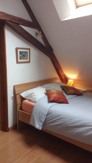 Location de vacances - Gîte à Grenoble - chambre en alcôve