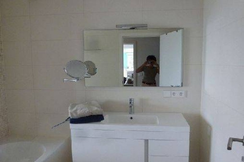 Location de vacances - Villa à Rayol-Canadel-sur-Mer - Salle de bain rez-de-chaussée