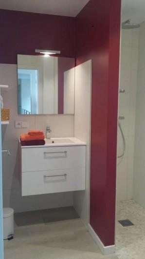 Location de vacances - Villa à Rayol-Canadel-sur-Mer - Salle de douche étage