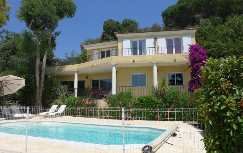 Location de vacances - Villa à La Roquette-sur-Siagne - Vue extérieure