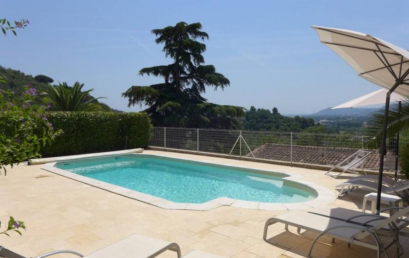 Location de vacances - Villa à La Roquette-sur-Siagne - Plage Piscine