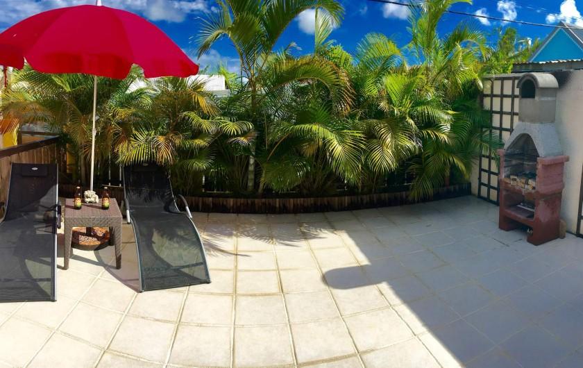 Location de vacances - Villa à Saint-Pierre - Bain de soleil et Barbecue
