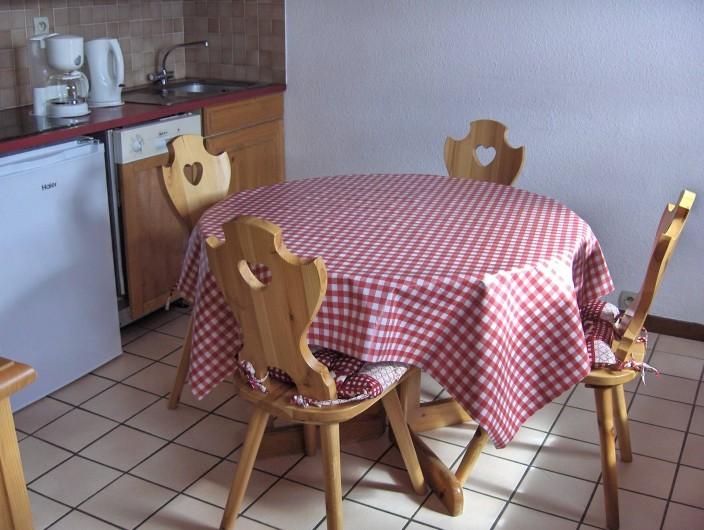 Location de vacances - Appartement à Samoëns - Coin repas