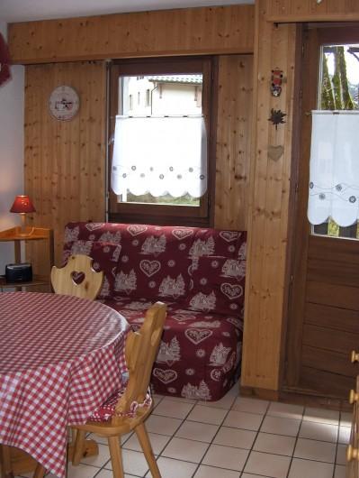 Location de vacances - Appartement à Samoëns - Canapé BZ confortable
