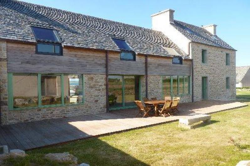 Villa rénovée par architecte les pieds dans l\'eau au calme à Santec ...