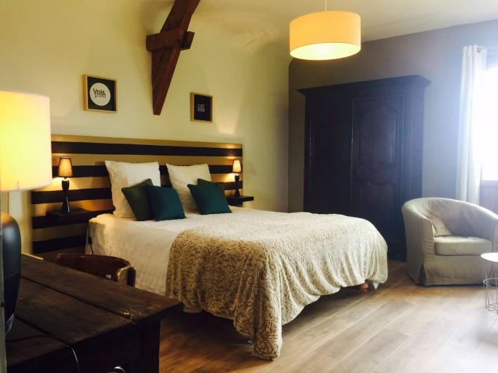 """Location de vacances - Villa à Sauvelade - Chambre double  """" Voyez grand """""""
