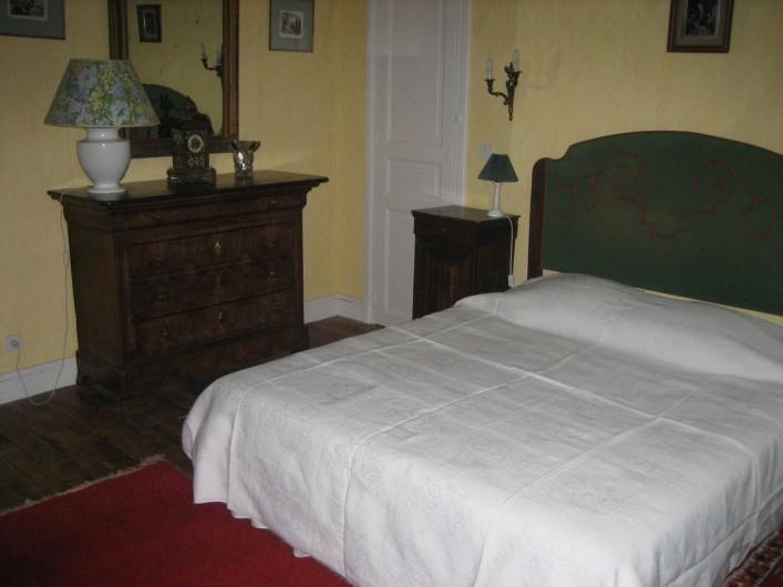 Location de vacances - Château - Manoir à Saint-Denis-de-l'Hôtel - chambre NO