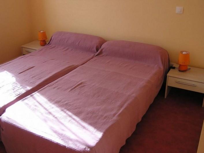 Location de vacances - Maison - Villa à Roscoff - Chambre avec 2 lits de 1 personnes