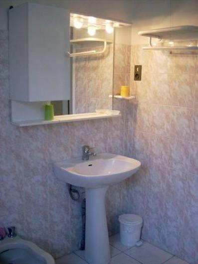 Location de vacances - Villa à Antibes - La salle de bain