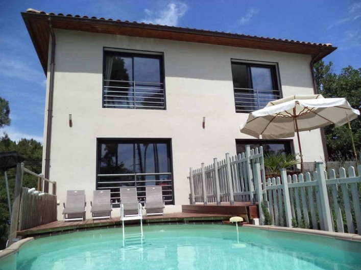 Location de vacances - Villa à Aubenas - Piscine