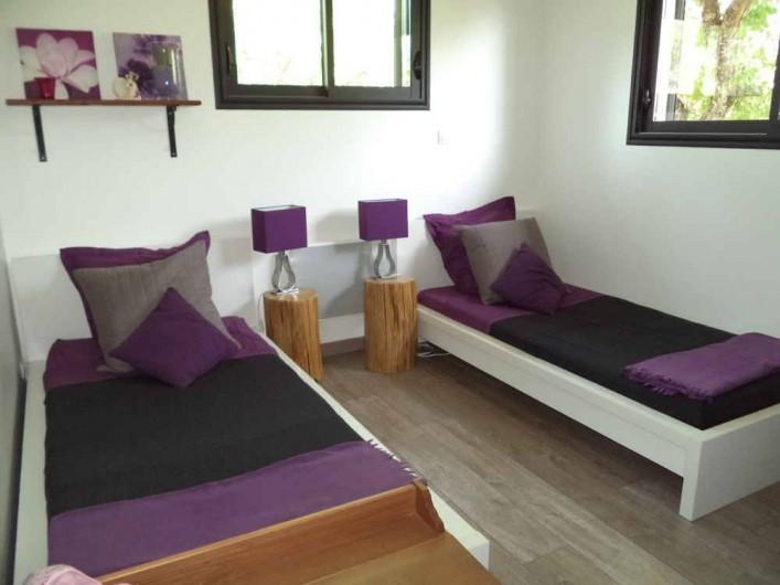 Location de vacances - Villa à Aubenas - chambre enfant