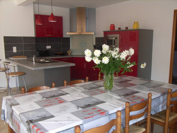 Location de vacances - Maison - Villa à Lanmeur - salle à manger cuisine