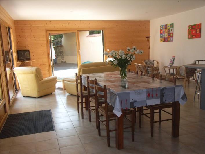 Location de vacances - Maison - Villa à Lanmeur - salle à manger et salon et quart port tout au fond