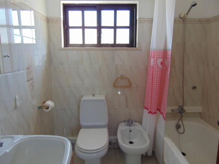 Location de vacances - Villa à Albufeira - Salle de bain 1º etage