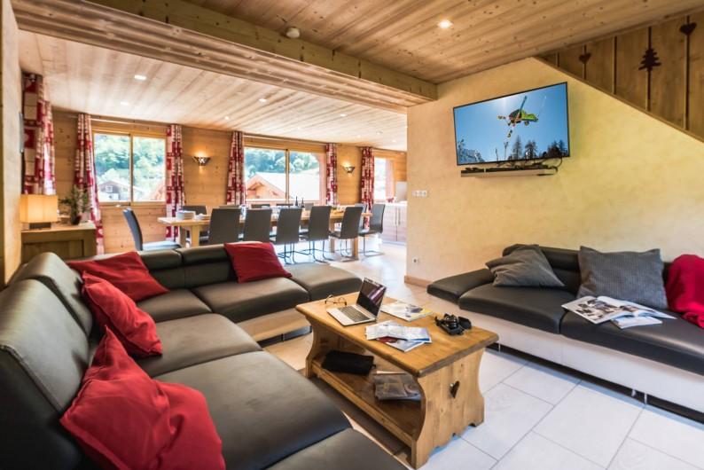 Location de vacances - Chalet à Les Menuires - Chalets-Lacuzon-grande pièce à vivre