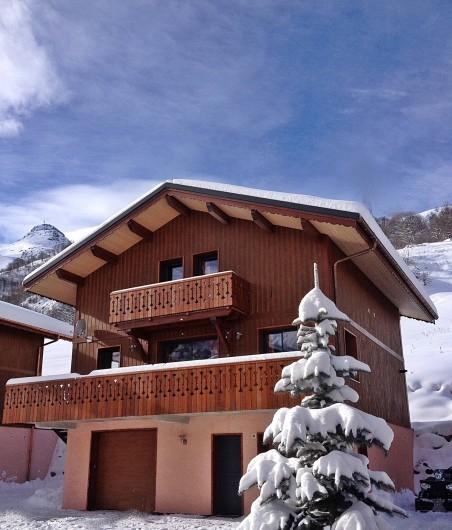 Location de vacances - Chalet à Les Menuires - Chalets-Lacuzon-grand-chalet-individuel-pour-14 personnes