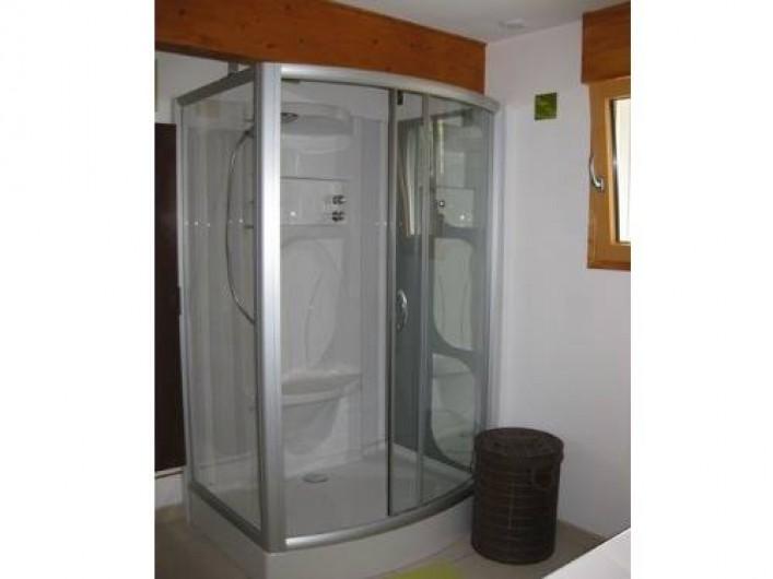 Location de vacances - Chalet à La Bresse - Salle de bain RDC / Le Chalet Vert / La Bresse