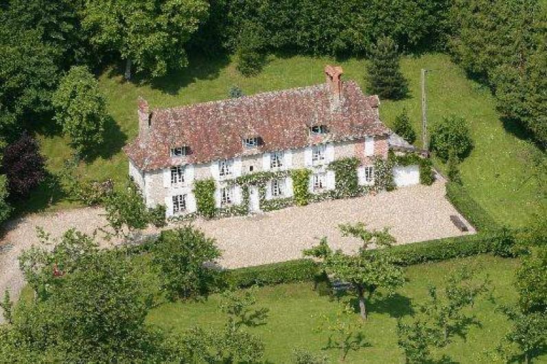 Location de vacances - Château - Manoir à Le Mesnil-sur-Blangy - Vue du ciel