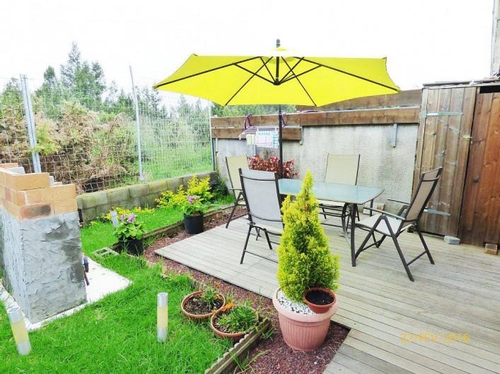 Location de vacances - Chalet à Le Tampon - Deuxième terrasse pour prendre les repas à l'extérieur avec grillade