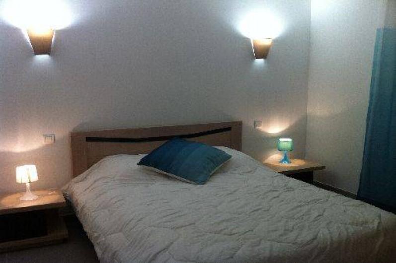 Location de vacances - Villa à Porto-Vecchio - Notre chambre n°1 avec climatisation et grande armoire