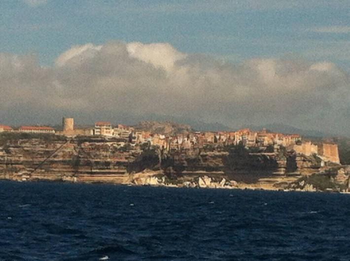 Location de vacances - Villa à Porto-Vecchio - La ville de Bonifacio est juste à côté , il ne faut pas la louper