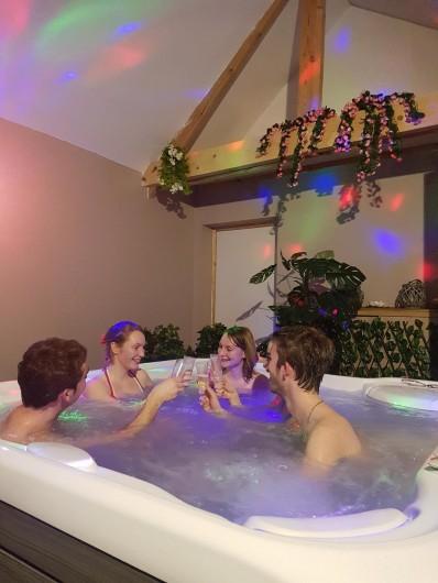Location de vacances - Gîte à Bezinghem - option jacuzzi et sauna
