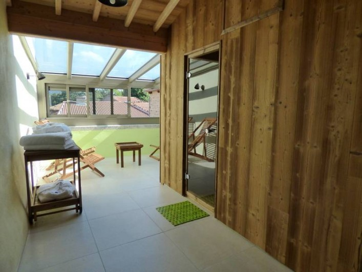 Location de vacances - Gîte à Auzelles - terrasse bien être couverte