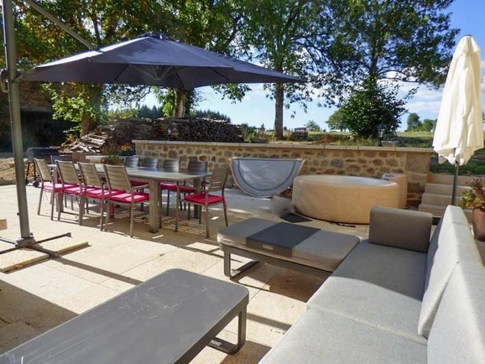 Location de vacances - Gîte à Auzelles - terrasse extérieure