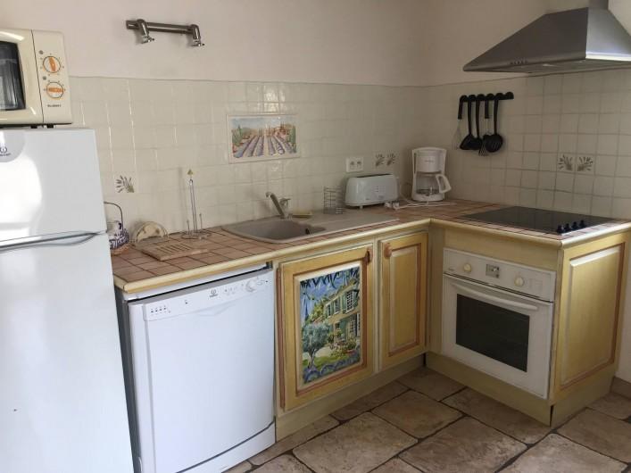 Location de vacances - Gîte à Saint-Jean-de-Valériscle - Gîte Le Soleil du Sud, cuisine