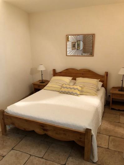 Location de vacances - Gîte à Saint-Jean-de-Valériscle - Gîte Le Soleil du Sud, chambre 1