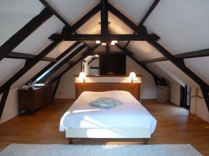 Location de vacances - Villa à Auriac-du-Périgord - SUITE PARENTAL AVEC SON SALLE DE BAIN