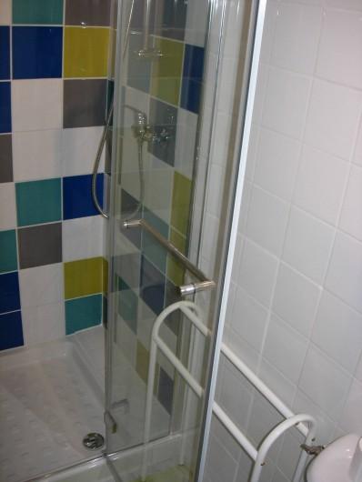 Location de vacances - Gîte à Fécamp - salle de douche (2)