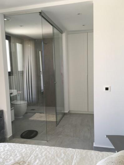 Location de vacances - Villa à San Miguel de Salinas - salle de bain privée chambre 1